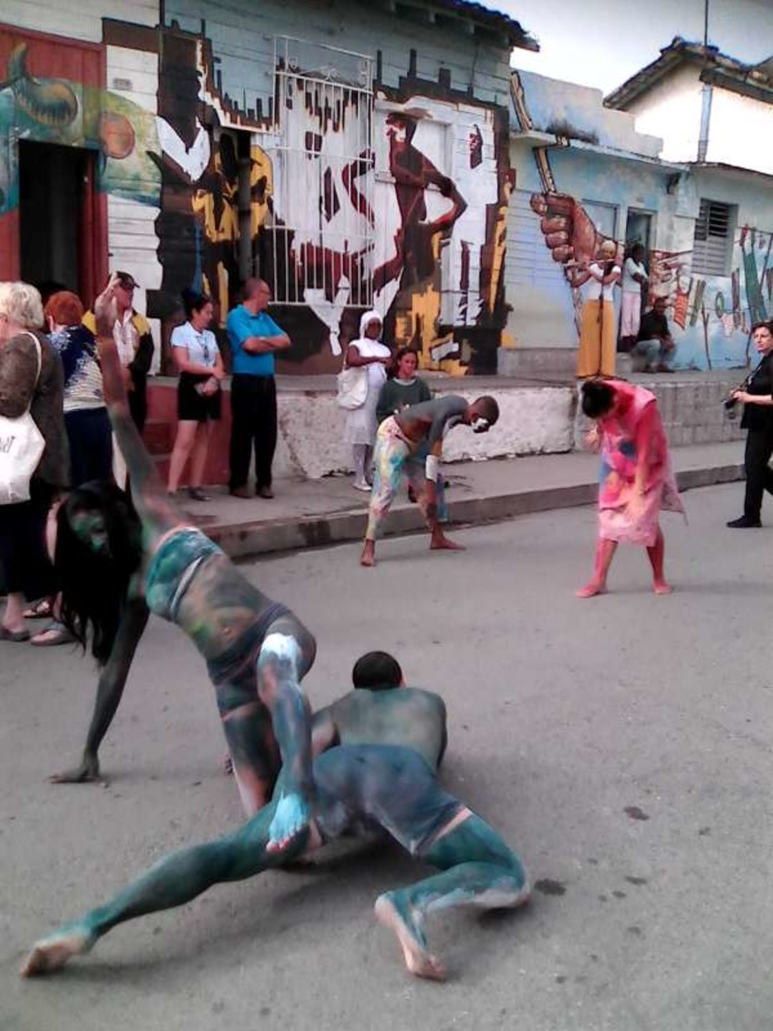 "Performance ""Mural Infinito"""